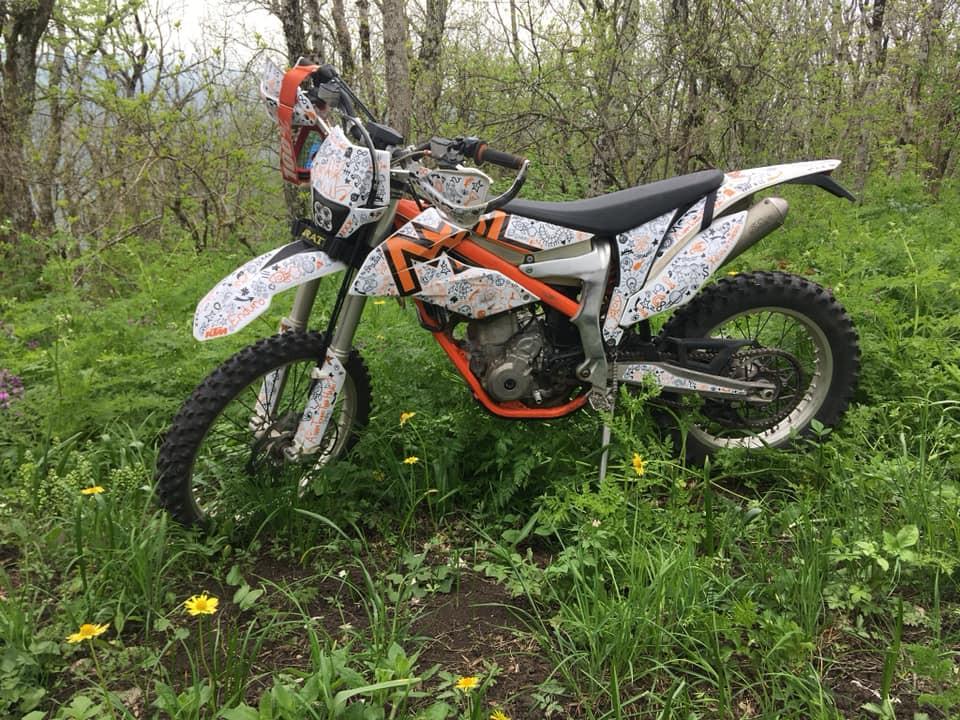 KTM FREERIDE 350 и фара МАЯК.jpg