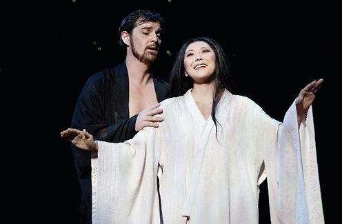 Hiromi Omura (Cio-Cio-San) and James Egglestone (Pinkerton) in Opera Australia's Madama Butterfly (2012).