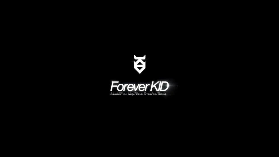 2012_ForeverKID_뮤직비디오.mp4_20180614_14001