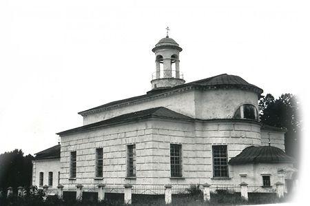 Крестовоздвиженский храм в Снегирево