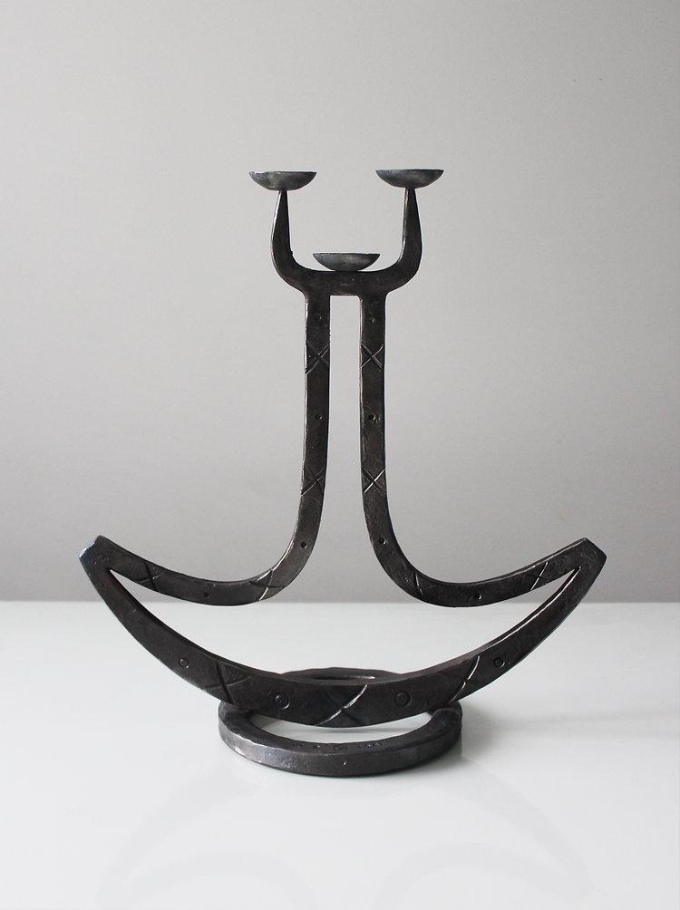 Ukonkirves-kynttelikkö.jpg