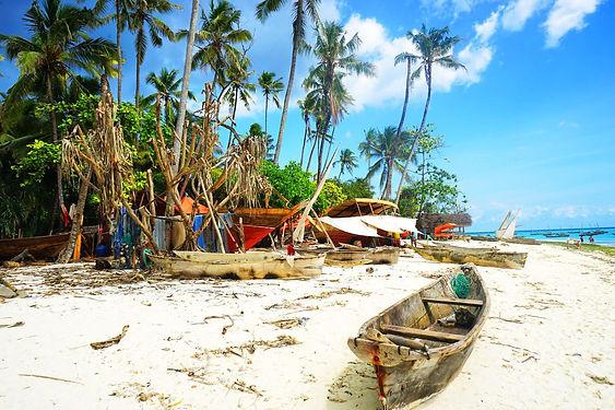 Dhow-construction-in-Nungwi-Zanzibar.jpg