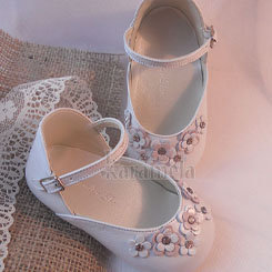 Imported Luxury White Pearl Shoe/Pink/White flowers