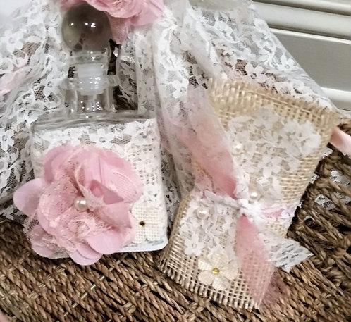 Lace & Flowers Oil bottle/soap set