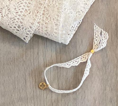 White lace bracelet martyriko