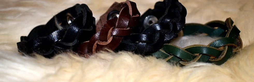 Pleated Leather Armband