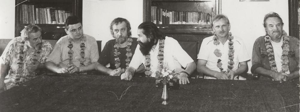 Индия, г. Вриндаван. В гостях в колледже. В. Каулин, А. Косяк, В. Попов, В. Анис