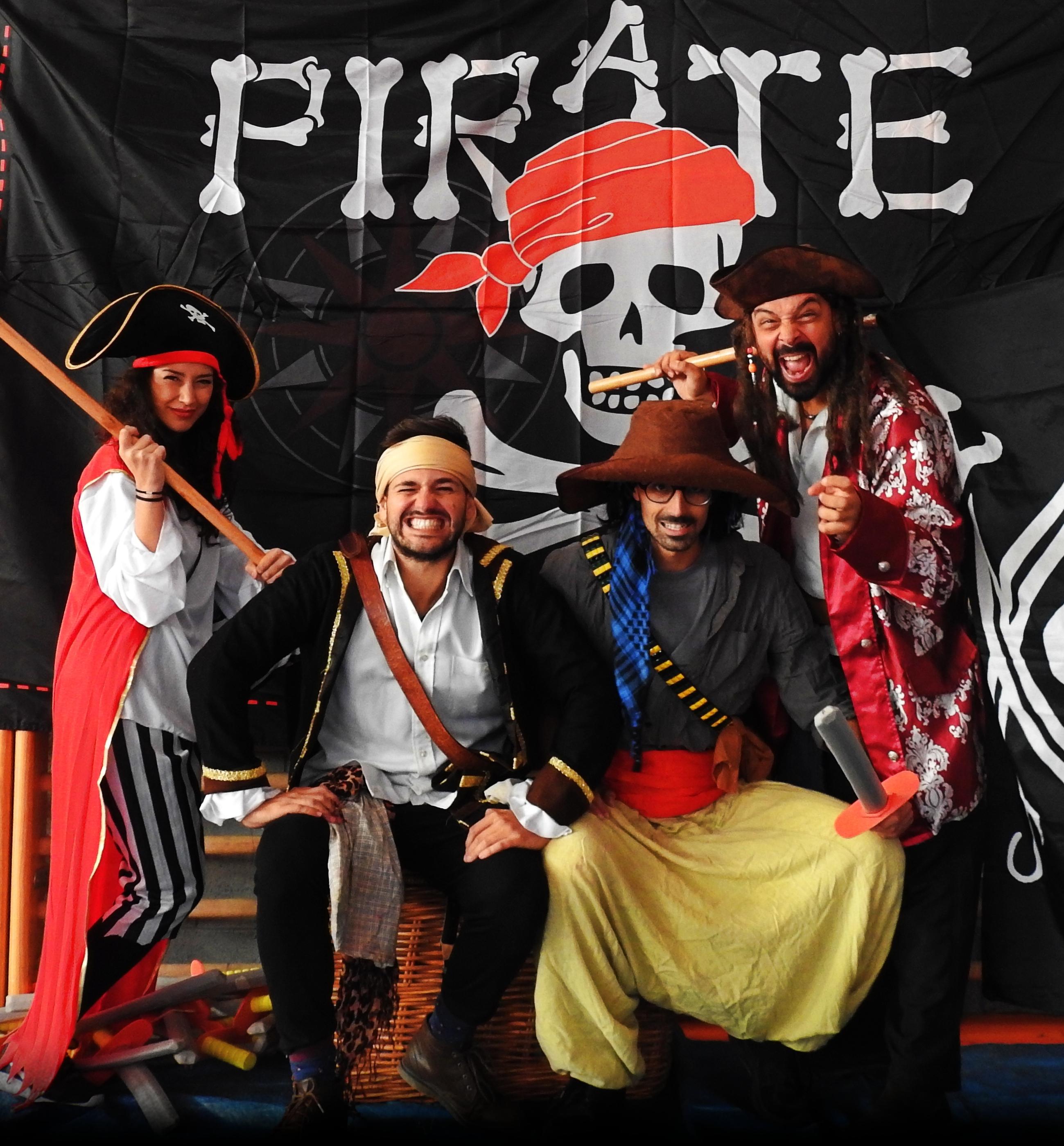 Piratas... ¡al abordaje!