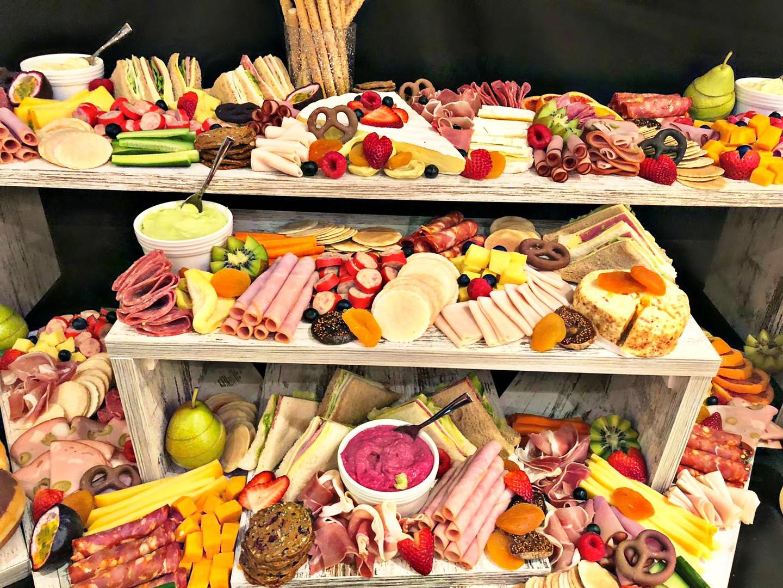 Custom Grazing Mixed Table