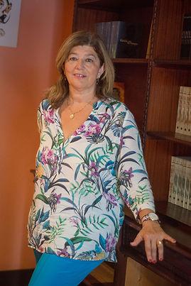 Biografia de Ana Larraz