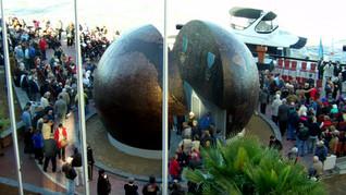 Savanna Globe