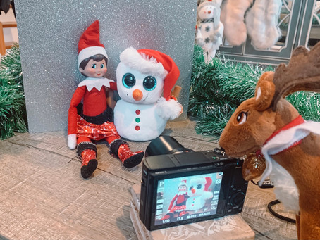 December 14th: Elf on the Shelf Photo Wall