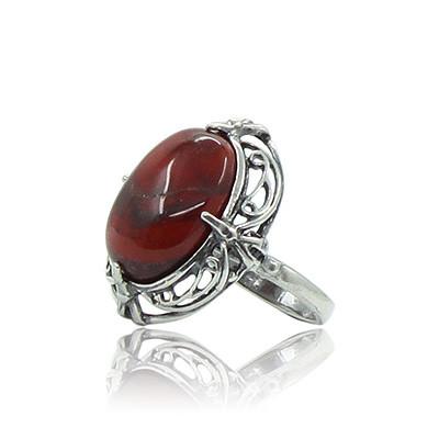 Красная яшма в серебре