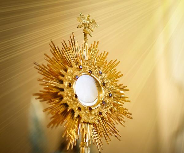 Corpus Christi Sunday: Christ Shares His Life with the World