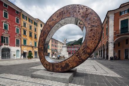 PRASTO Sculpture in the Piazza of Carrara