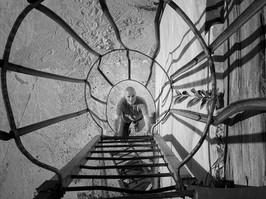ROBERT GOVE Sculptor Climbing up in Cave Fantiscritti