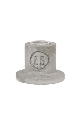 Kleine Zusss kandelaar van beton