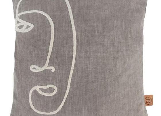 Warm grijs Zusss kussen met geborduurde lijntekening