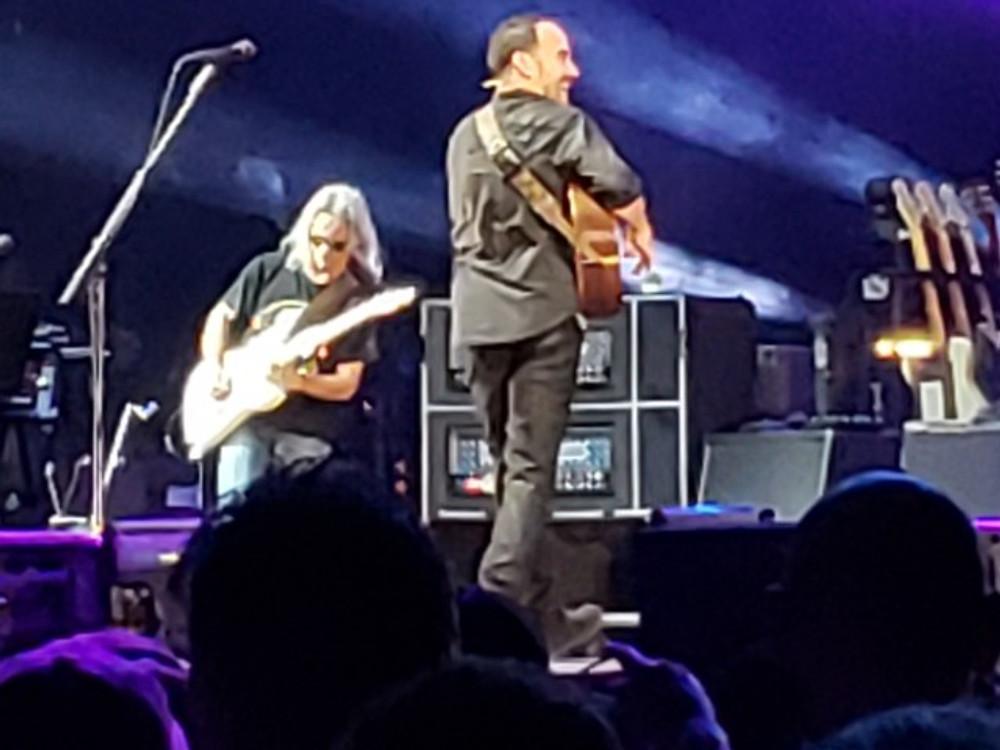 Dave Matthews and Tim Reynolds on stage.