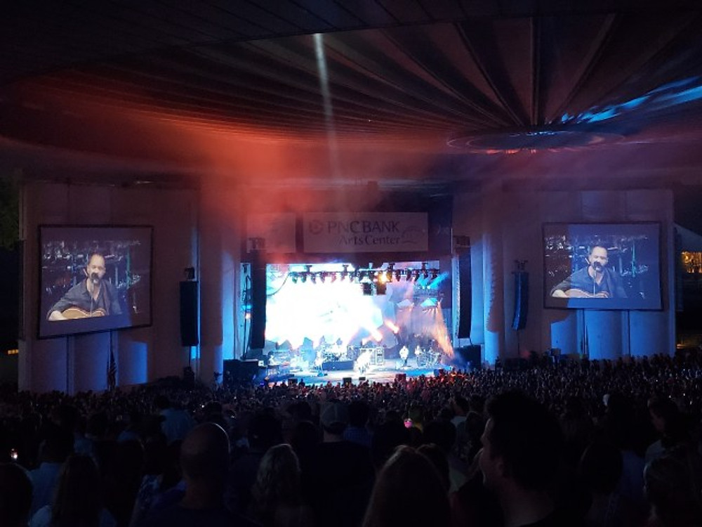 DMB on stage at Holmdel.