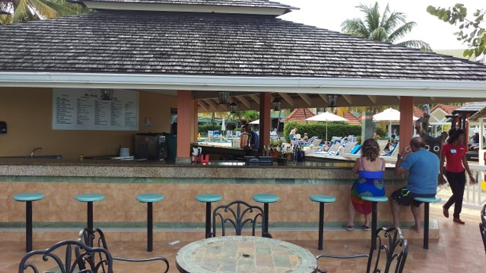 A picture of the beach bar.
