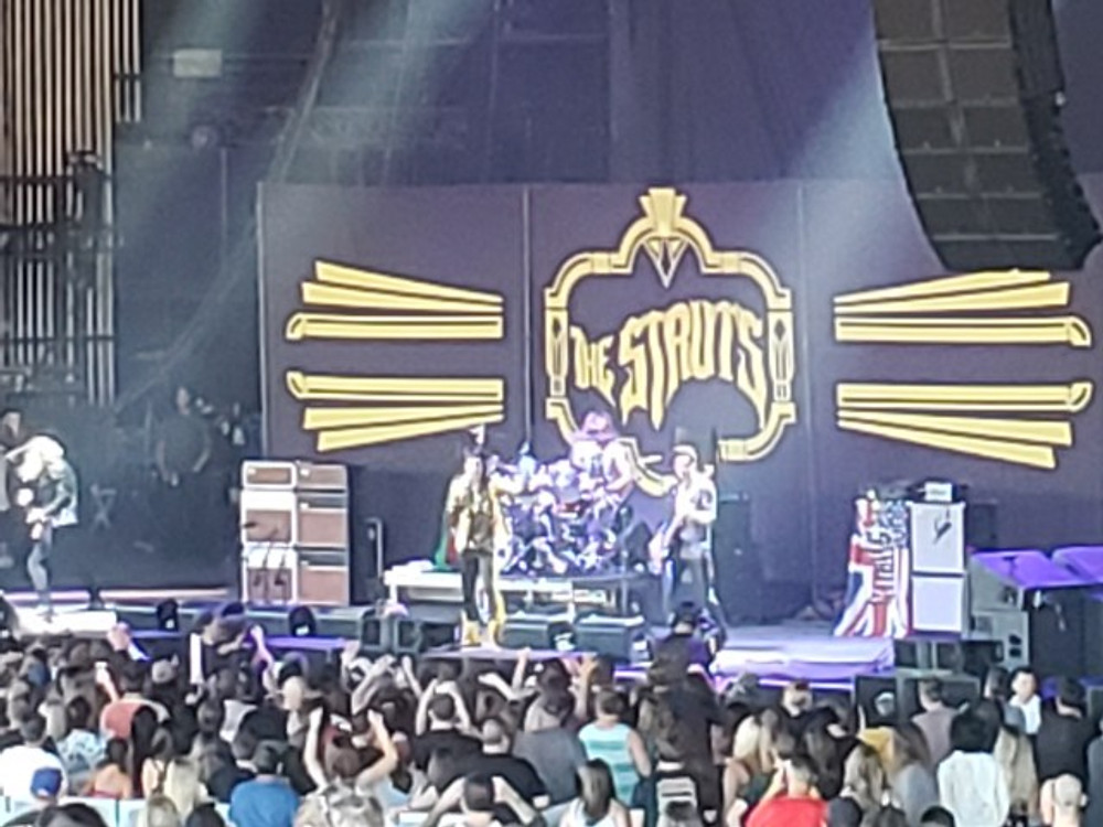 The Struts on stage in Camden, NJ.