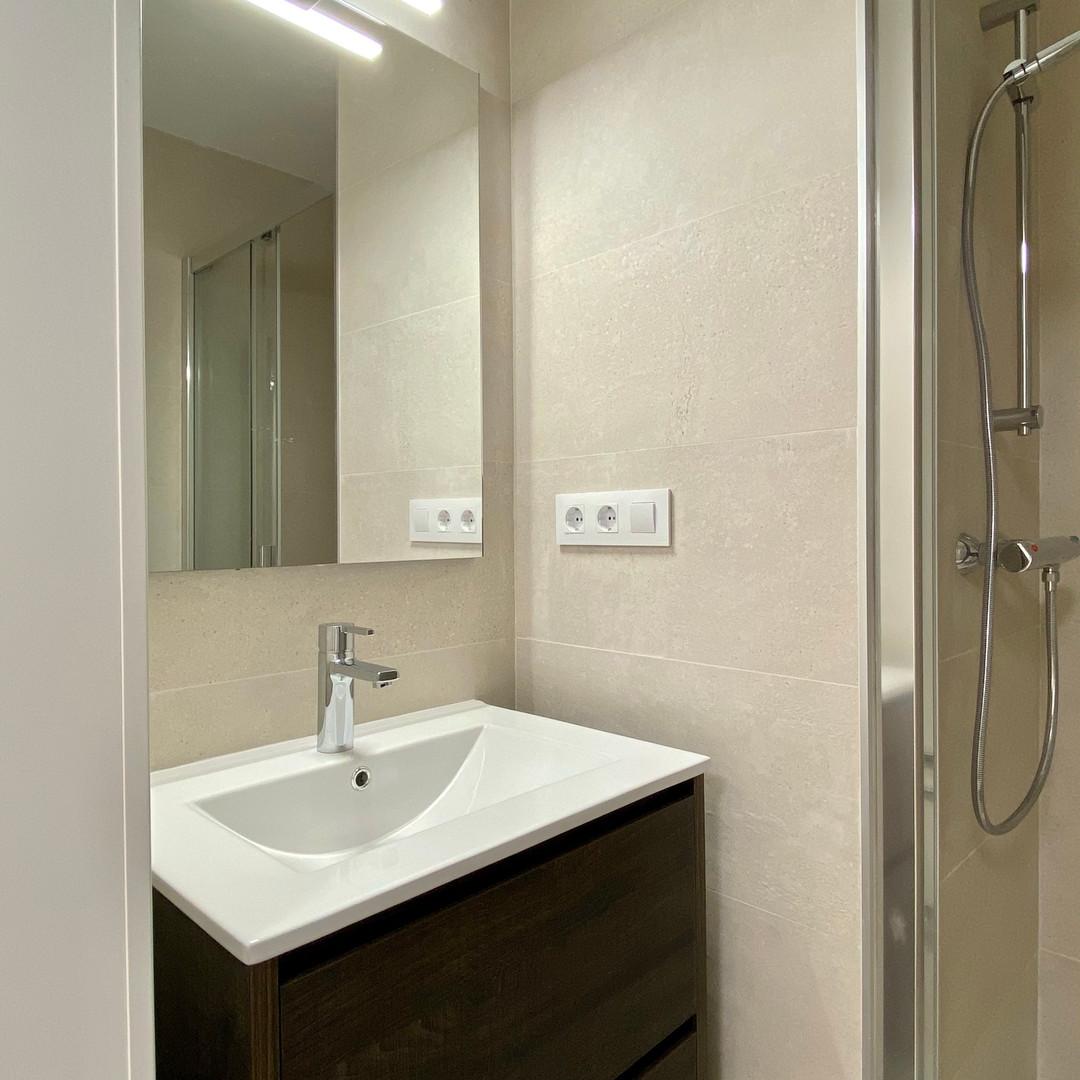 Baño en habitación principal