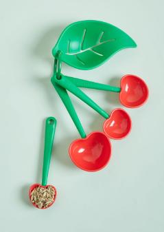 retrocherry measuring spoons
