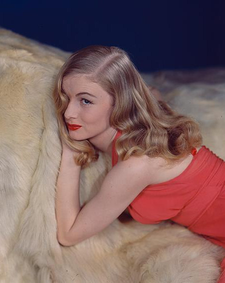Veronica Lake and Hairdo Safety in the 1940s