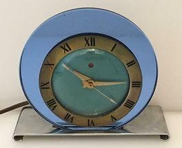 Retro Circular Clock.jpg