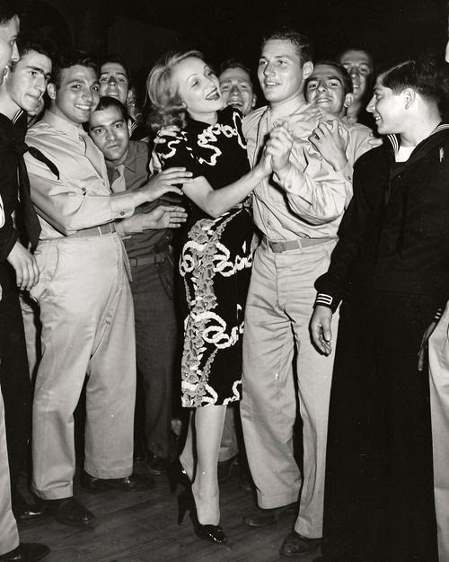 Vivien Leigh dancing at Hollywood Canteen