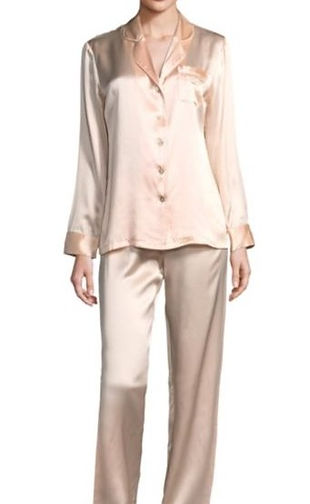A retro classic. Reminiscent of the old Hollywood starlets pajamas. Luxurious real silk is a treat that you deserve.