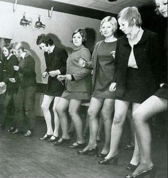 Sixties Female Mod Dancers