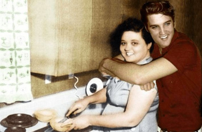 Retro Mothers Day with Elvis and Gladys