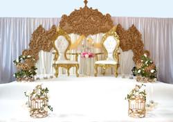 golden arch stage setup