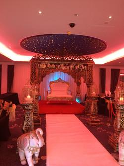 the royal mandap (lighting)