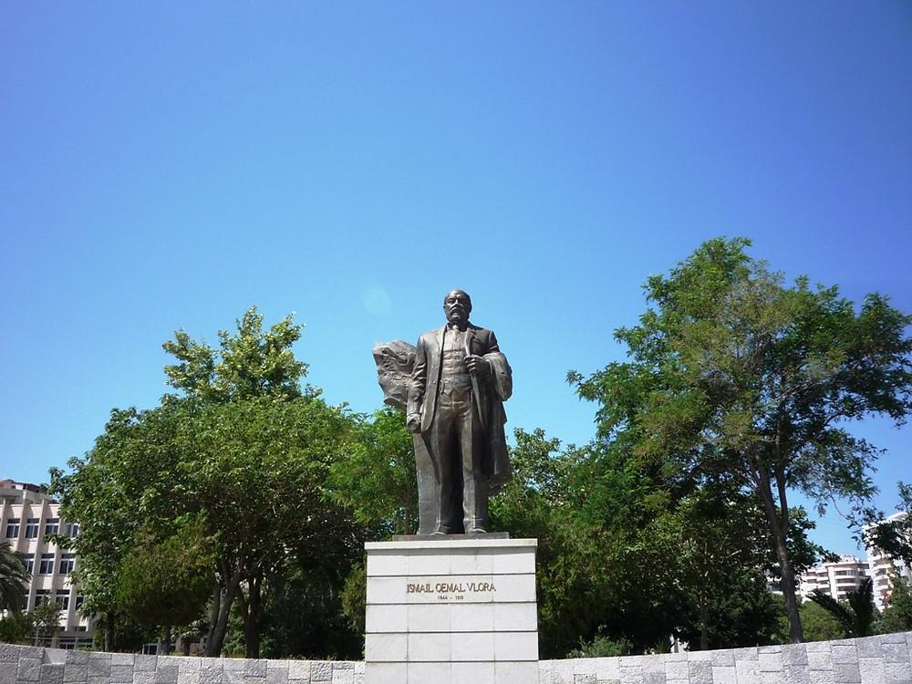 Памятник Исмаилу Чемали (Влёра)