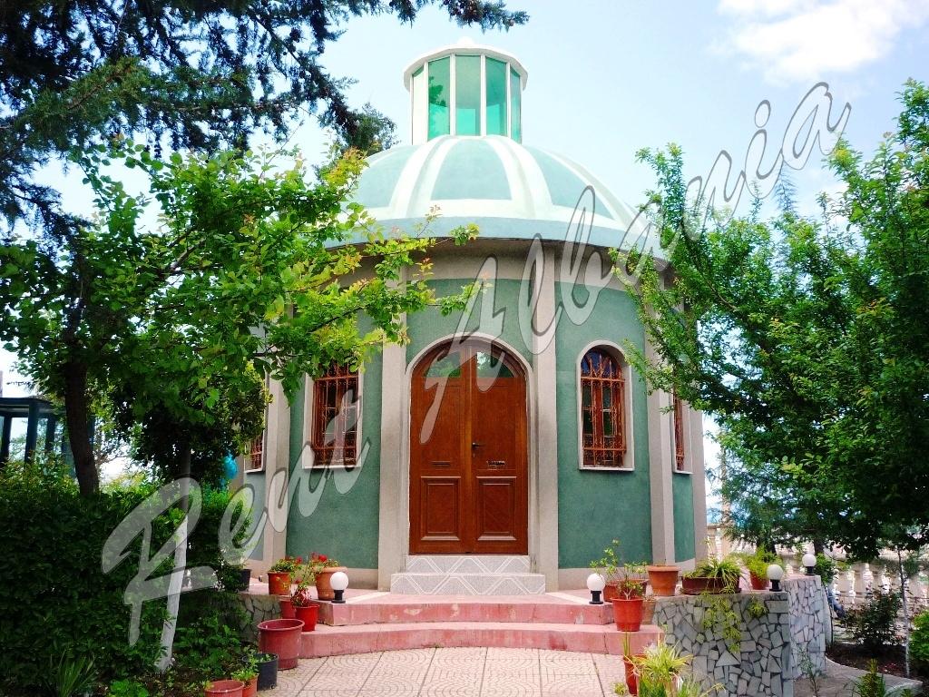 Kuzum Baba. Гробница султана