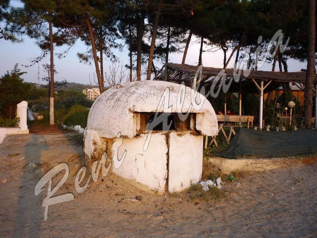 Бункер на пляже
