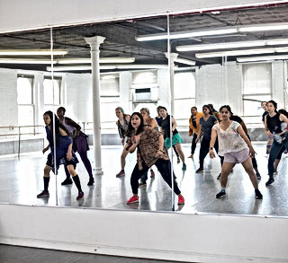 Bollywood dance classes for Adults   Kids & Theater Performances