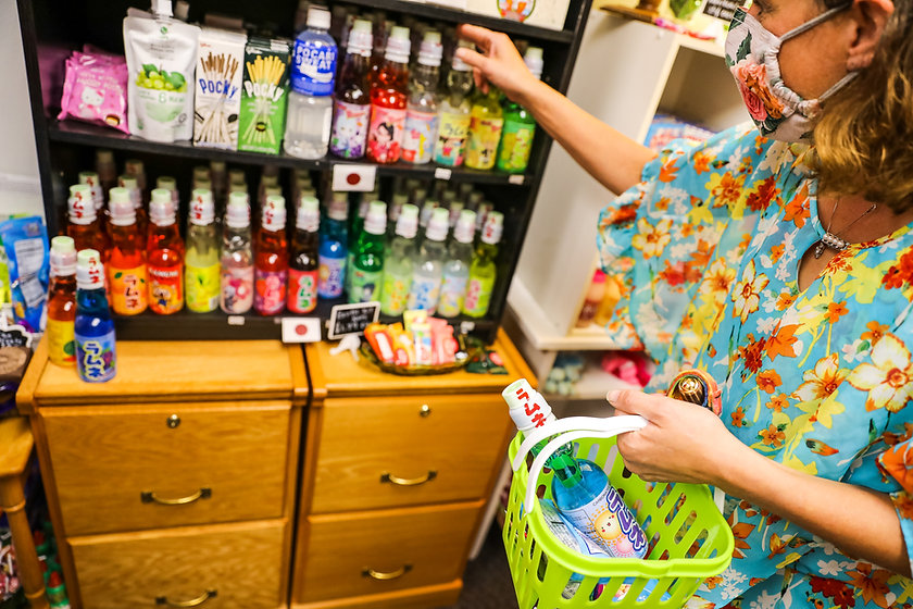 C_J_s Candy Store_MEN_2020_AndreaP-5.jpg