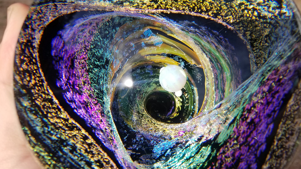 "#0073 4.2"" Dichroic Vortangle w/3 Opals"