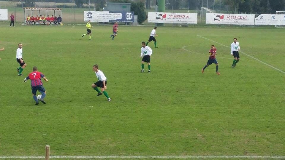 Una fase della gara d'andata vinta dall'Altobello per 2-0