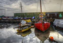 Smack dock, Low tide