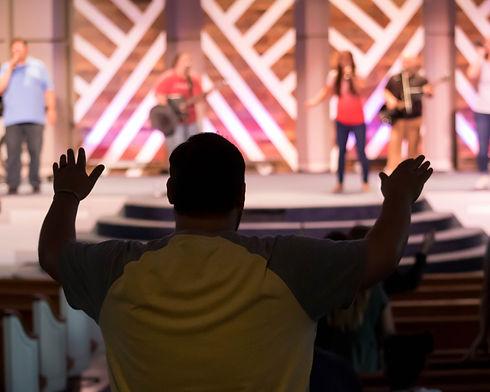 Worshipping4-4876.jpg