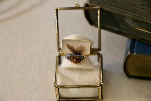 Ring aus Silber und Feingold  Mit einem Opal und Dendrit-Achat