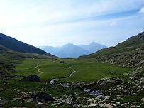 Une boucle emblématique au départ de Pralognan-la-Vanoise. Entre Tarentaise et Maurienne, découvrez la beauté et la variété des paysages de la Vanoise.