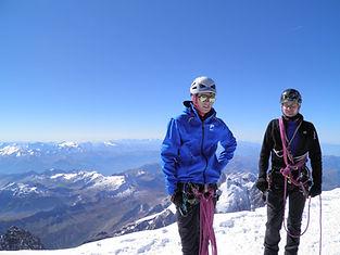 Mont Blanc, Mont Rose, Dôme des Ecrins, Grand Paradis... Autant de sommets qui nous emmènent au-delà de 4000m !