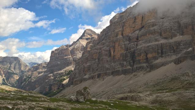 trekking_dolomites_cortina.jpg