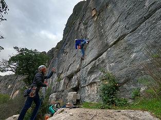Trois journées sur un spot mythique d'escalade, pour progresser en autonomie, mais aussi techniquement et physiquement !
